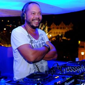 Dj MrBrown from Curacao